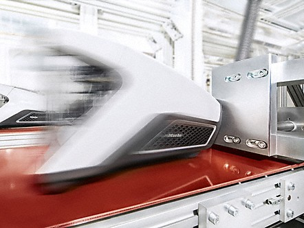 Quality is Miele's highest priority. From conception to finished appliance. Miele vacuum cleaners are developed and manufactured exclusively in company-owned plants. At the end of the manufacturing process, each individual vacuum cleaner is subject to comprehensive testing one more time. This care and attention results in exceptional quality and a long service life for Miele products.